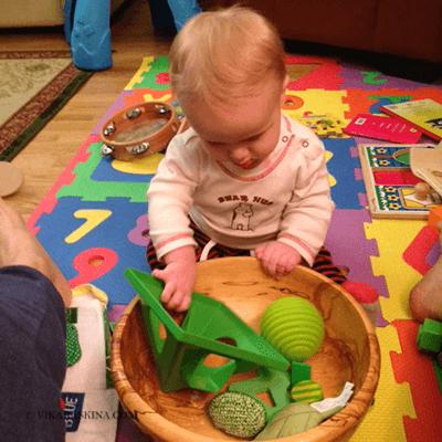 vika raskina - child playing