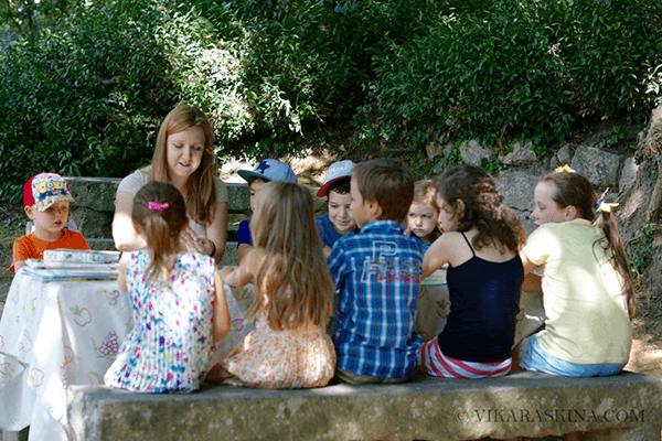 vika raskina - kids reading