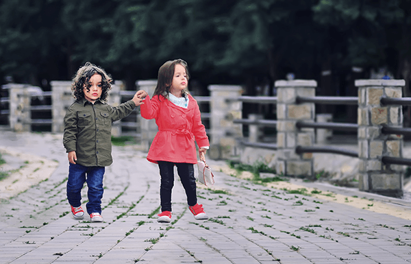 vika raskina - two kids walking