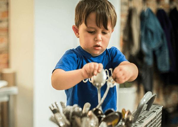 boy dishes