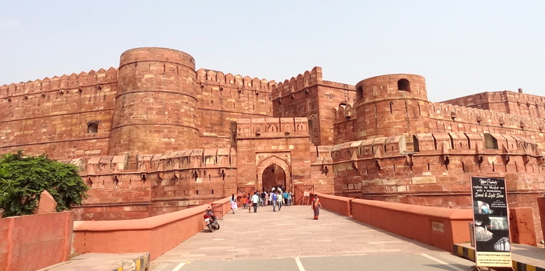 Akbar| The most powerful emperors of the Mughal Dynasty.