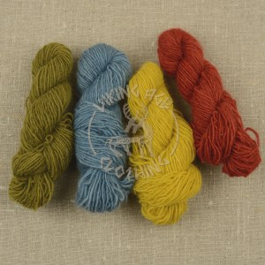 Plant-dyed Fårö wool yarn