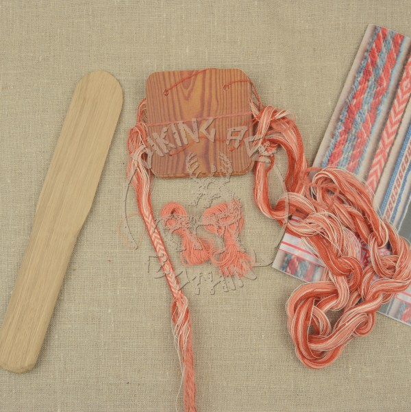 Kit for tablet weave from Kaupang - apricot and red