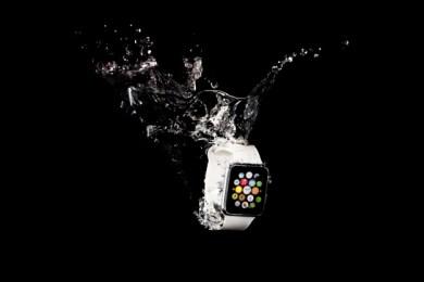 smartwatch-submerged