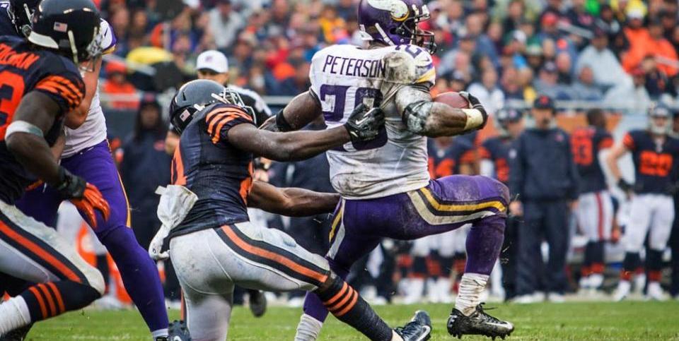 Adrian Peterson Stiff Arms Chicago Defender