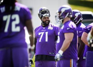 returning right tackle Phil Loadholt