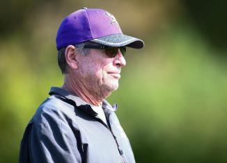 Norv Turner Resigns as Vikings Offensive Coordinator
