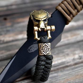 Фото браслет из паракорда с застежкой хищник и бусиной валькирия