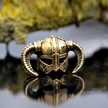 Фото бусины ручного литья шлем викинга