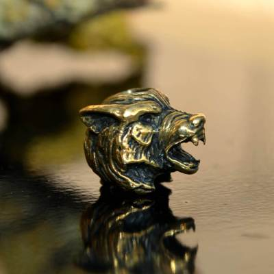Фото бусина ручного литья волк
