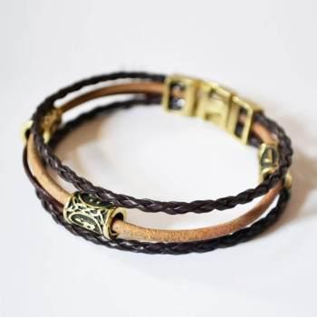 Фото многослойный кожаный браслет с рунами