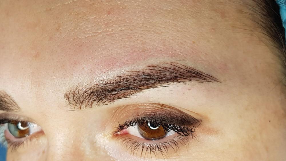 viktoria logoida trattamento trucco permanente allieve al corso base pelo a pelo sopracciglio