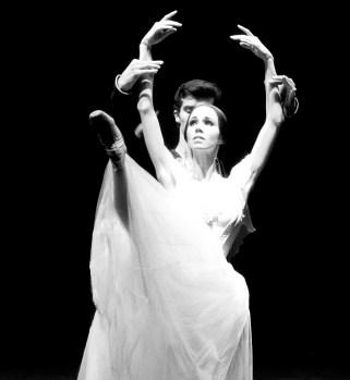 Viktorina Kapitonova Roberto Bolle Giselle Ballet Zurich Patrice Bart