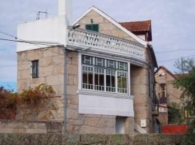 Casa construída por Fabrício Lopes dos Santos, em 1942, hoje propriedade e habitação da família de Agostinho Abrantes.