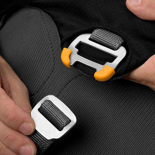 Ruffwear Load Up Harness buckle 3