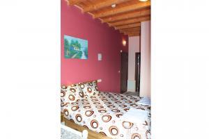 Къща 3 - спалня към апартамент, етаж 2