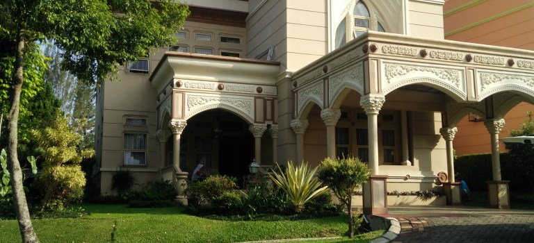 Villa Viktoria 3 kamar tidur di kota bunga puncak