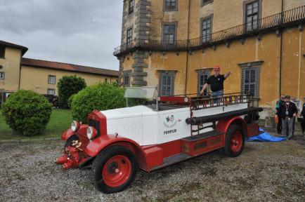 Villa Bellavista mezzi vigili del fuoco