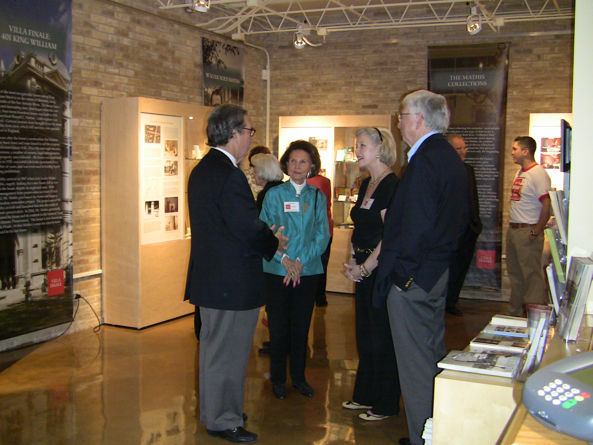 Visitor Center opening 102109 001