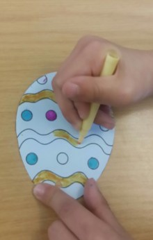 Colouring Easter egg
