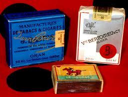 Boîte d'allumettes,paquet de cigarettes