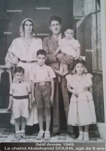 FAMILLE-DOUHIL-CHERIF-ANNEE-19491-211x300