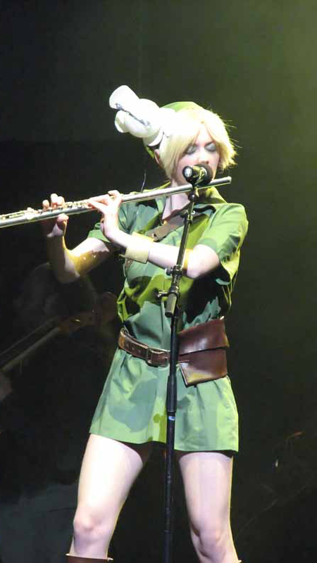 Laura Intravia as Link
