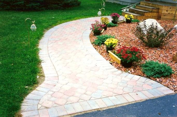 Landscape_paver_sidewalk_2