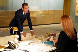 Season 9 Episode 1, Suits