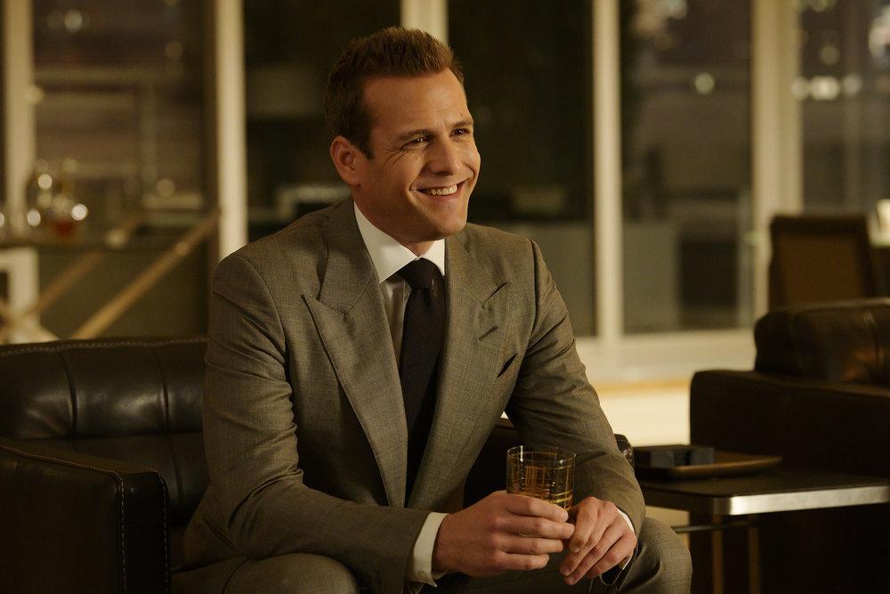 Season 9 Episode 4, Suits