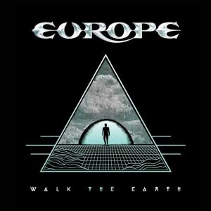europe walk the earth critica