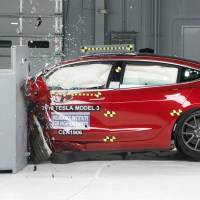 A legbrutálisabb törésteszten is remekelt a Model 3