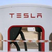 A Tesla letiltja a balesetes autók DC töltését