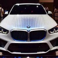 Megmutatta a hidrogénes X5 hajtásláncát a BMW