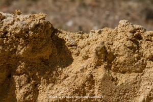 Dans les Causses du Quercy, un sable local riche en fines.