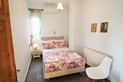 Υπνοδωμάτιο με διπλό κρεβάτι στον 2ο όροφο, Βίλα Ριλάξ, Θάσος