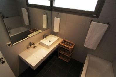 Μπάνιο στο 2ο όροφο, βίλα Feel the Sea