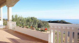 Preciosa planta baja con jardín y vistas al mar en s'Estanyol