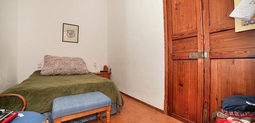 Amplia casa de pueblo con jardín en venta en Ses Salines