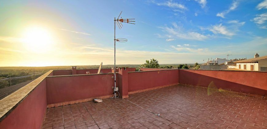 Casa en venta con vistas al mar en Ses Salines