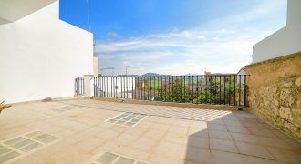 Charming town house to rent in Montuïri