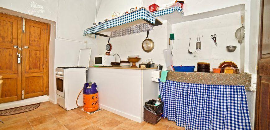 Casa de pueblo en venta con amplio patio en Ses Salines