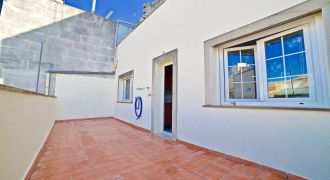 Spacious apartment for sale in Campos with a big terrace