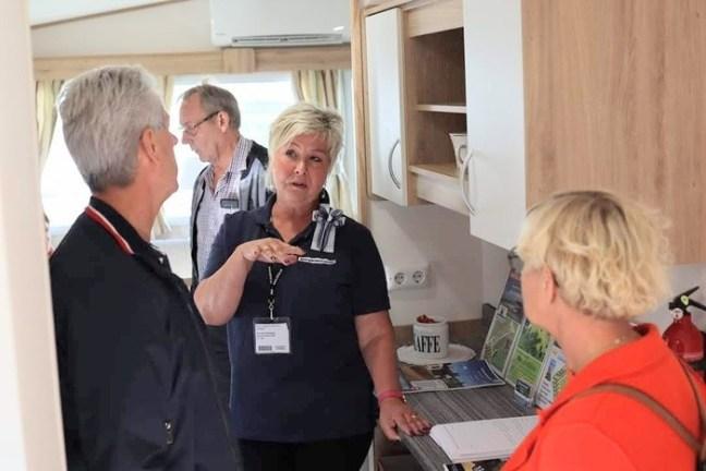 Annicka Ekengren säljer villavagnar