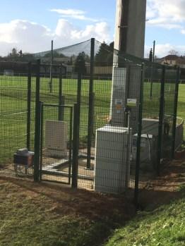 Protection du pylône au terrain de foot