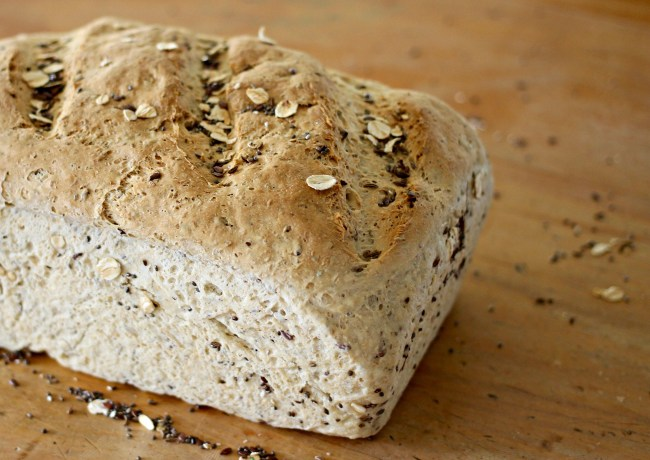 wholemeal bread with seeds