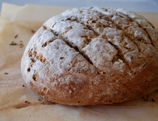 spelt bread with linseed and cumin seeds