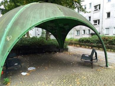 Grünes Schalendach