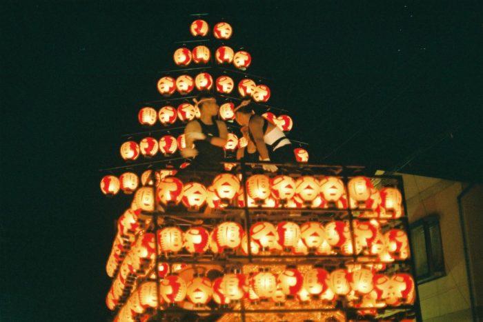 studera i japan - kanto-festivalen i akita är riktigt känd för sina lyktor