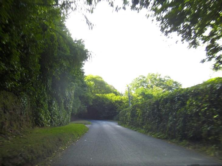 Kapea tie Eglannin maaseudulla